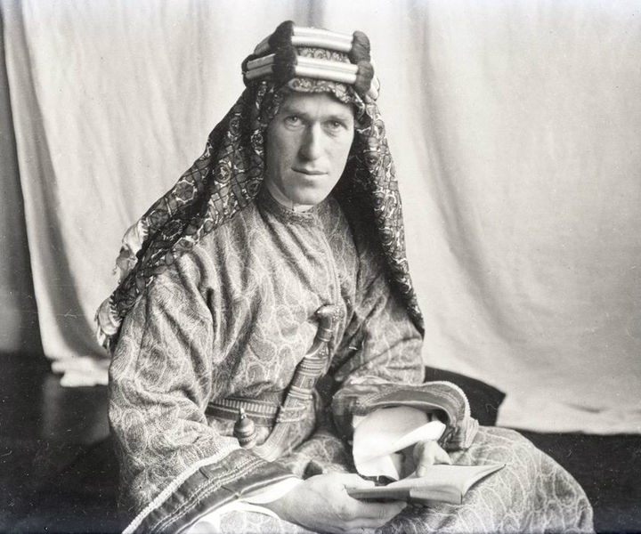 t-e-_lawrence_with_lawrence_in_arabia