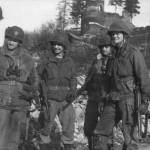Soldado americano usando un denison en las ardenas